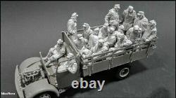 Unpainted 1/35 16pcs German Soldiers Surrender WW2 Resin Figure Model Kit-No Car