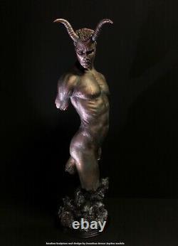 Nu Érotique Mâle Torso Statue Démon Jaydee Modèles Sculpture Jonathan Dewar